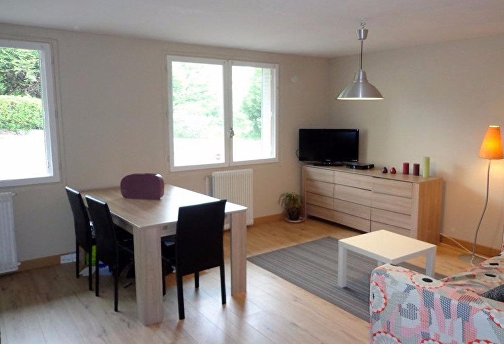 annonce vente appartement clermont ferrand 63100 45 m 79 100 992736106114. Black Bedroom Furniture Sets. Home Design Ideas