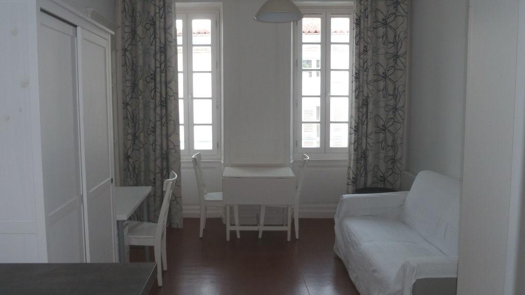 Annonce location appartement la rochelle 17000 21 m for Annonce location appartement