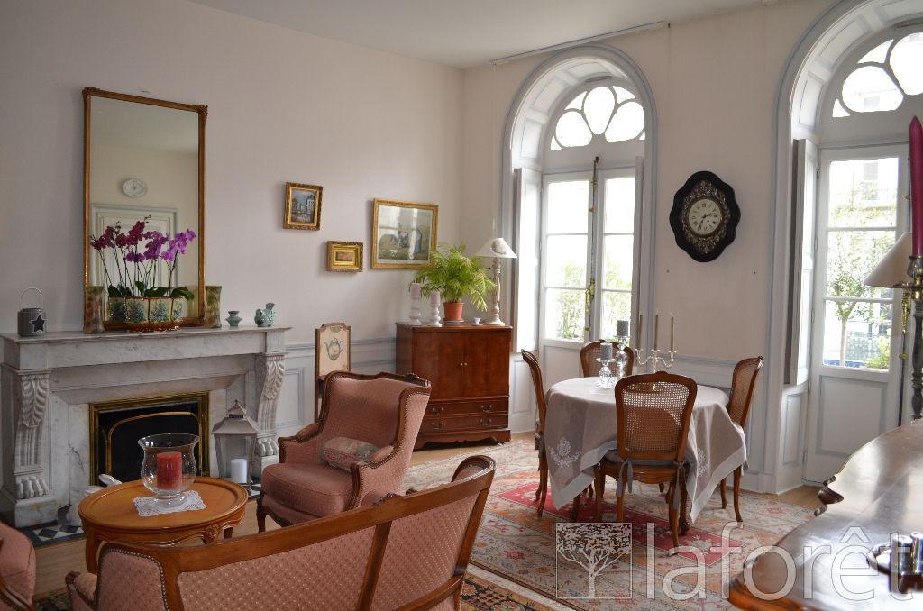 Appartement 5 pièces 102 m2 Rochefort