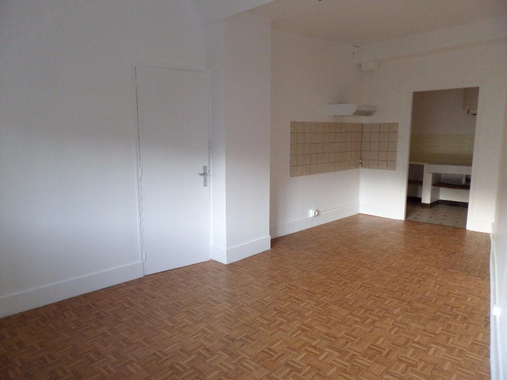 Annonce location appartement salins les bains 39110 for Location appartement yverdon bains suisse